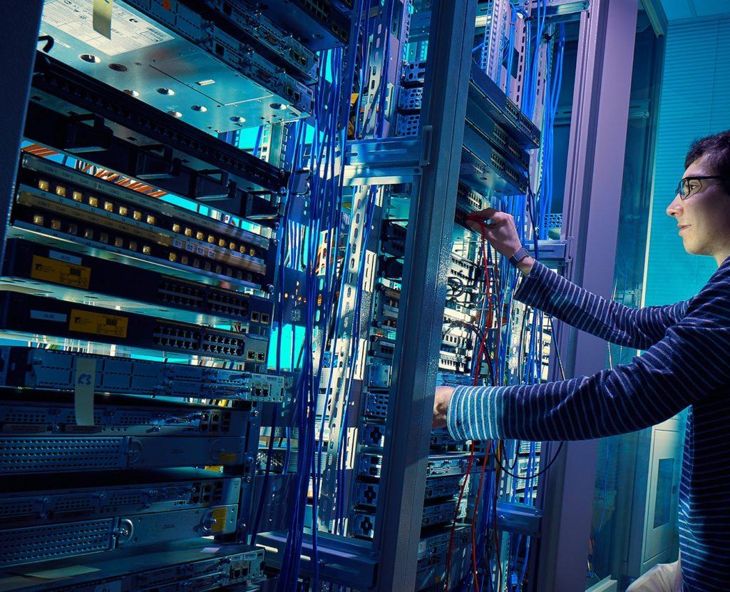 Στο Κέντρο Λήψης Σημάτων της New Security ενσωματώνονται πλήρως κι επιτυχώς η τεχνολογία, η πληροφορία και η επικοινωνία. Η πολυετής εμπειρία και η τεχνογνωσία στο χώρο της ασφάλειας μας καθιστούν τον πιο αξιόπιστο συνεργάτη!